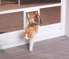 An Türen und Fenstern einsetzbar. Damit auch Ihr Haustier die gewohnte Freiheit behält.